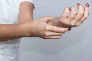 Повреждение лучевого нерва симптомы